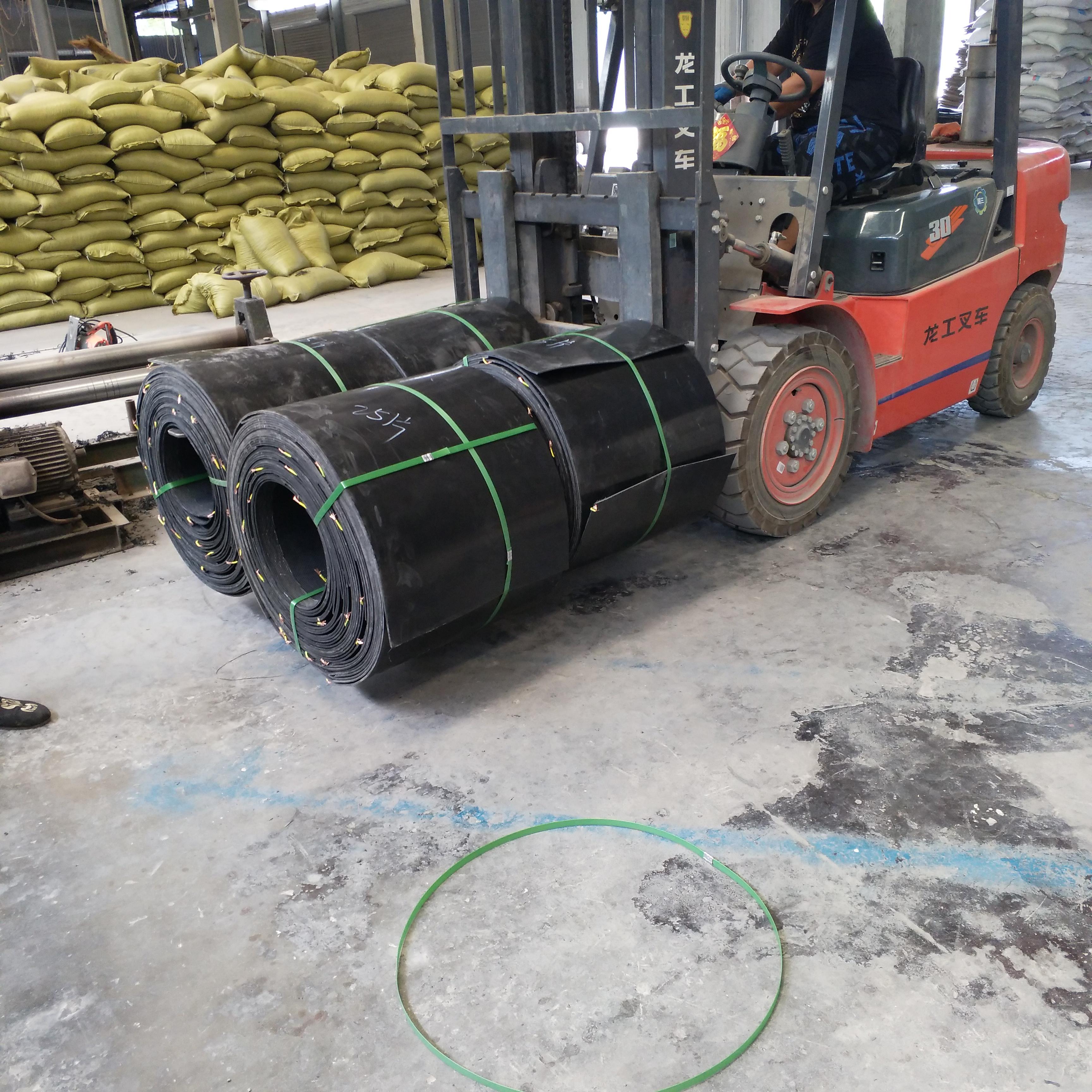 山东淄博市耐腐蚀石油管道电热熔套热缩带