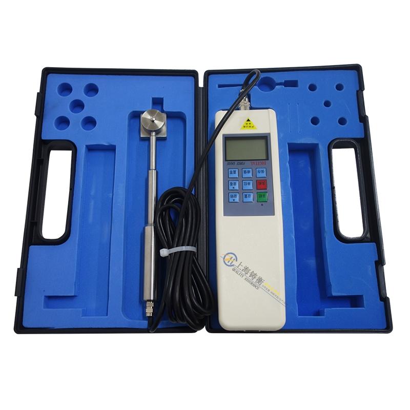 测试两张膜片之间的压力装置